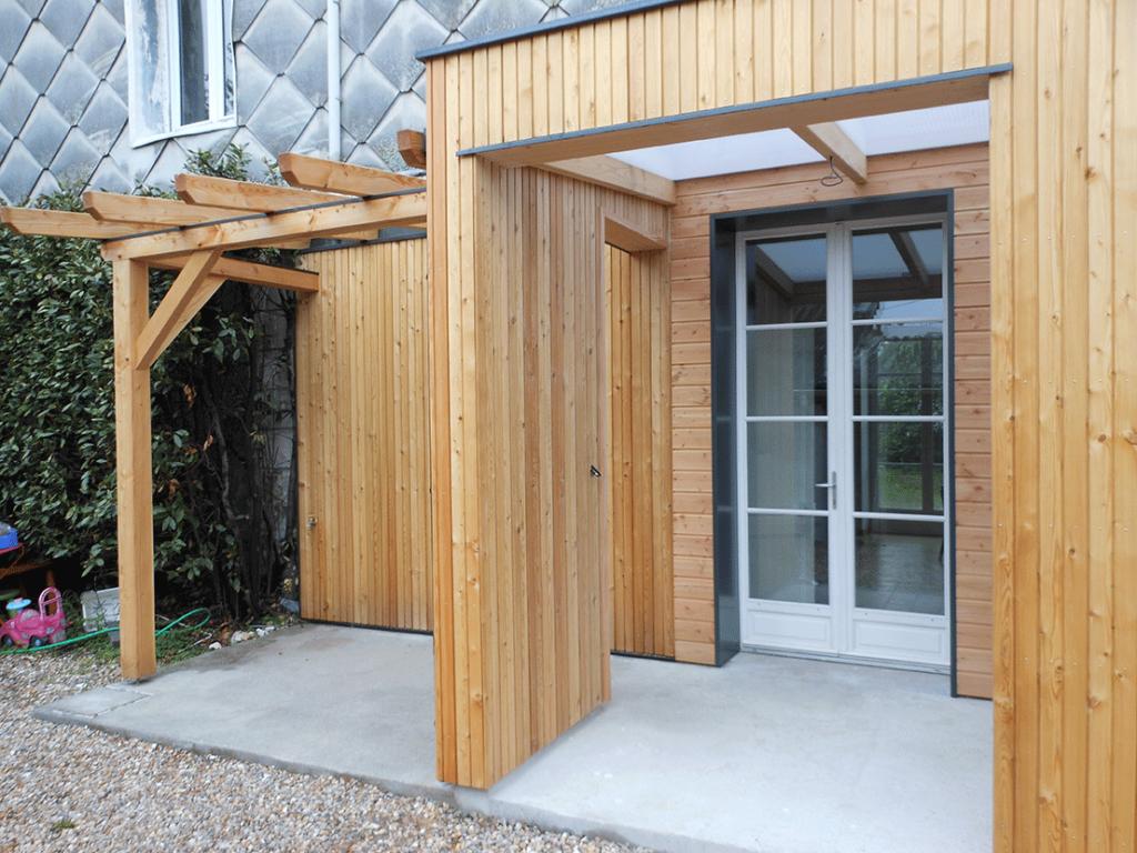 Extension en douglas et ossature bois, fenêtre en bois -Le Petit Quevilly