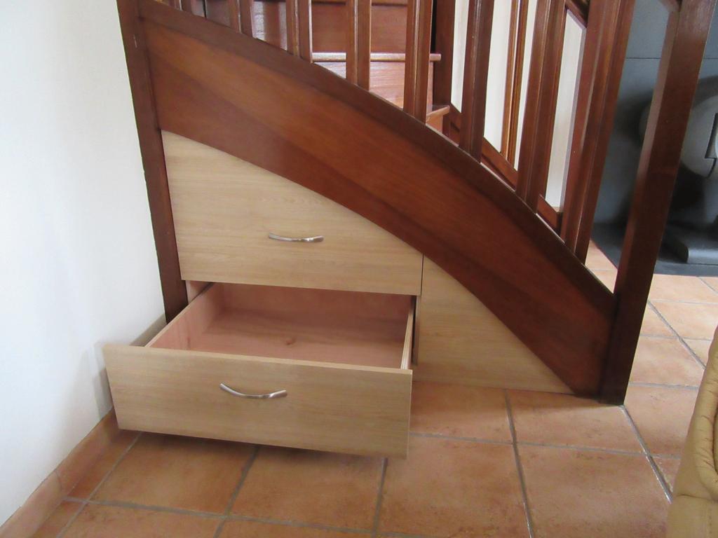 Rangement sous escalier - Sierville