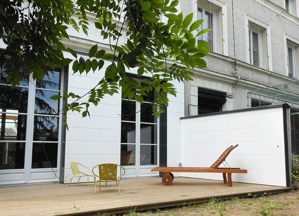 Terrasse en pin autoclave et refection façade en médium - Le Petit Quevilly