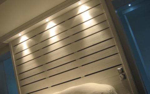 Tête de lit en épicéa - Barentin